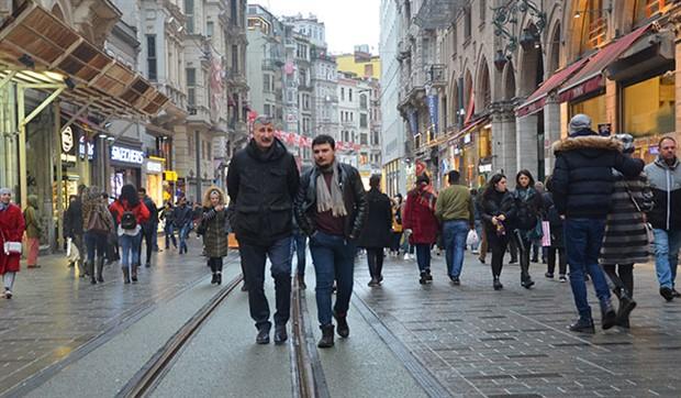 Beyoğlu Belediye Başkan Adayı Alper Taş: Belediye binasındakiler değil, halk yönetecek