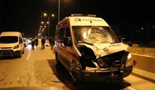 Yaya geçidinde ambulansın çarptığı öğretmen hayatını kaybetti