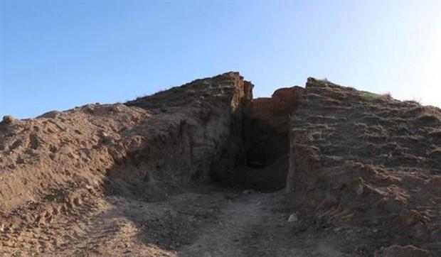 Define avcılarının kazdığı tepeden anıt mezar çıktı