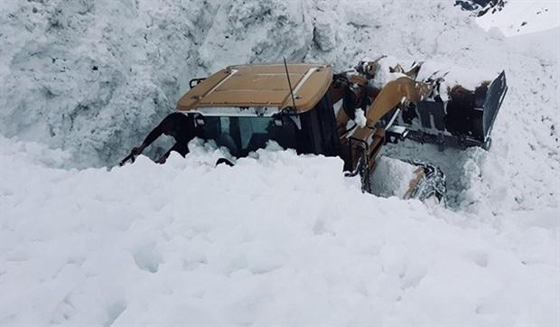 Hakkari'de kar kalınlığı 6 metreyi aştı