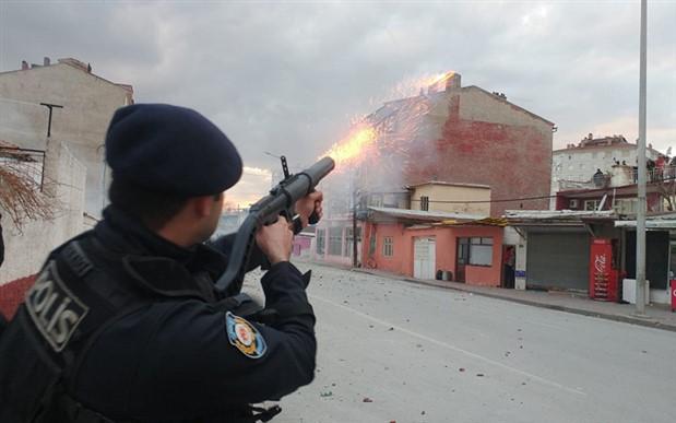 Konya'da iki ailenin kavgasına 200 polis müdahale etti