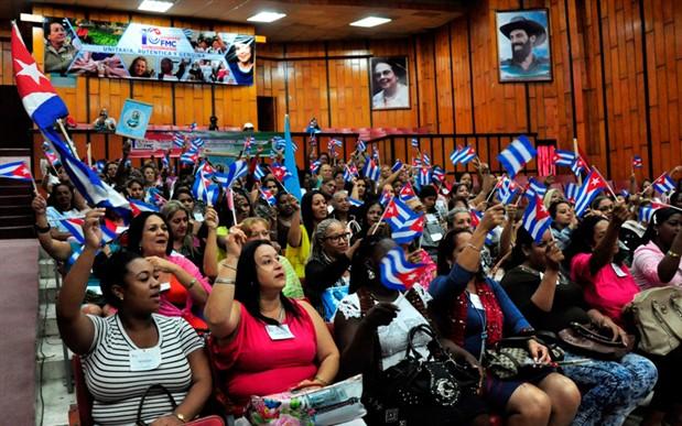 Küba'da devlet yöneticilerinin yarısı kadın