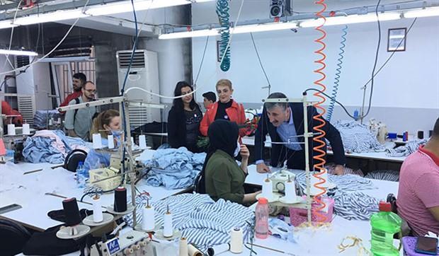 Alper Taş'tan tekstil işçisi kadınlara ziyaret