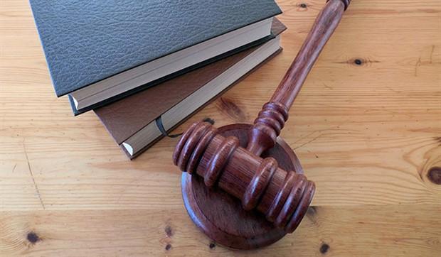Kamu avukatları özlük hakları için toplanıyor