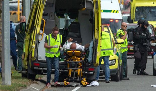 Yeni Zelanda'da camiye silahlı saldırı: En az 49 ölü!