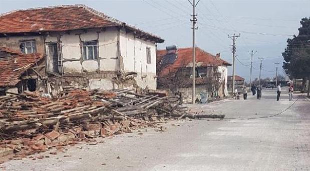 """""""Depremin artçıları birkaç ayda sonlanır"""""""