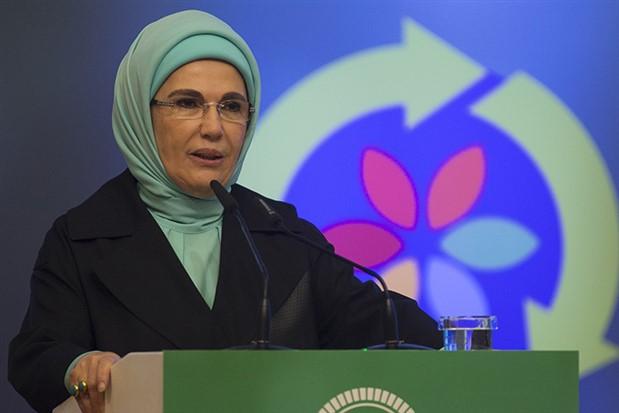 Emine Erdoğan: Yeryüzünde halife olmanın sorumluluğunu taşıyoruz