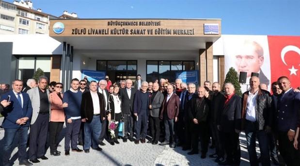 Edebiyatçılar, Zülfü Livaneli adına açılan kültür merkezinde buluştu
