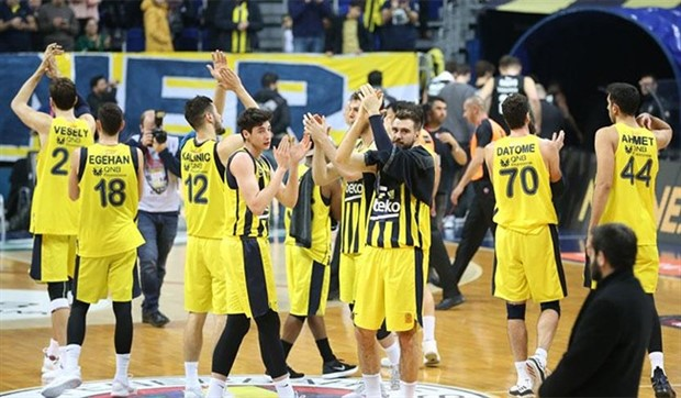 Fenerbahçe liderliği garantilemek için sahaya çıkıyor