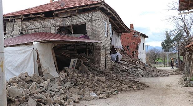 Sıklıkla deprem olan Acıpayam, 'afet bölgesi' ilan edildi
