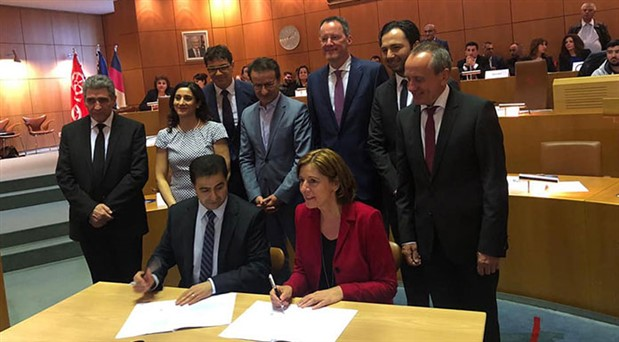 Eyalet Hükümeti ile Aleviler arasında anlaşma: Alevilik dersi ve Alevilere bayram izni