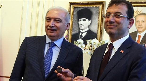 Görevi İmamoğlu'na devreden AKP'li Uysal'dan açıklama
