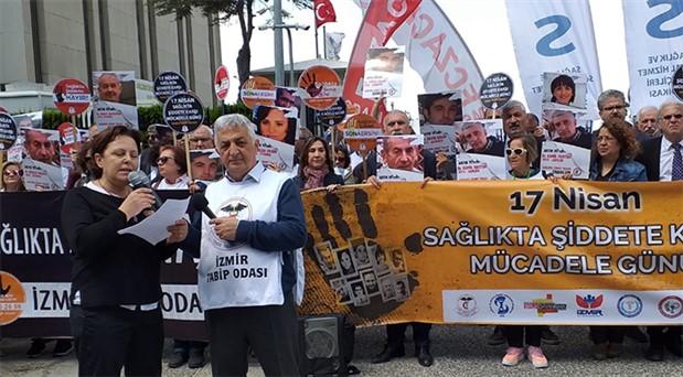 İzmir'de sağlık çalışanları sokağa çıktı