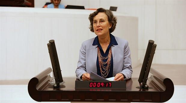 Kerestecioğlu'ndan Sağlık Bakanına kanser aşısı sorusu
