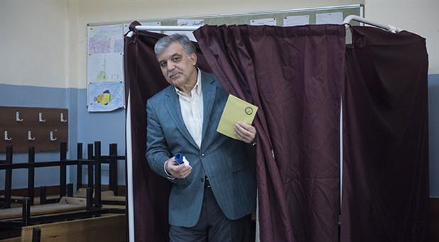 Gül'den 'yerel seçim' açıklamaları: AK Parti'nin kurucu ilkelerinden yolunu çeviren ben miyim?
