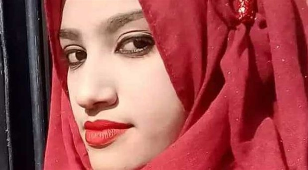 Bangladeşli kadınlar günlerdir sokakta