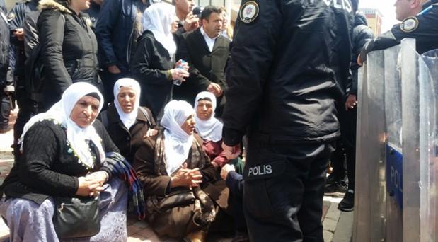 Gebze Cezaevi önünde polis yine saldırdı