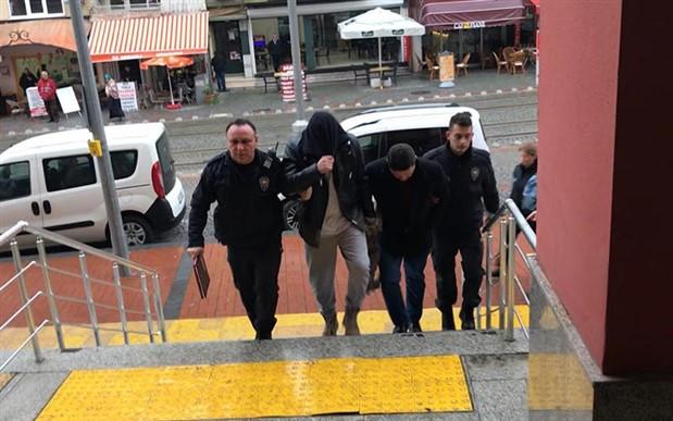 İzmir merkezli IŞİD operasyonu: 5 tutuklama