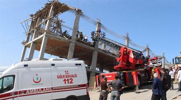 Arnavutköy'de beton dökülen inşaatta çökme: 3 işçi yaralandı