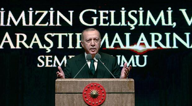 Erdoğan: Türkiye'ye demokrasi dersi vermeye kalkışanların geçmişi kanlı