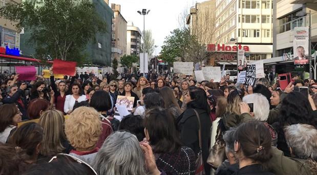 Kadınlar sokakta: İstismara sessiz kalmıyoruz