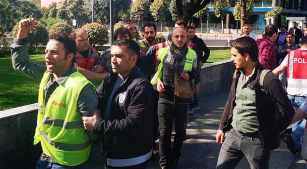 Taksim'e çıkmak isteyen işçilere polis saldırısı