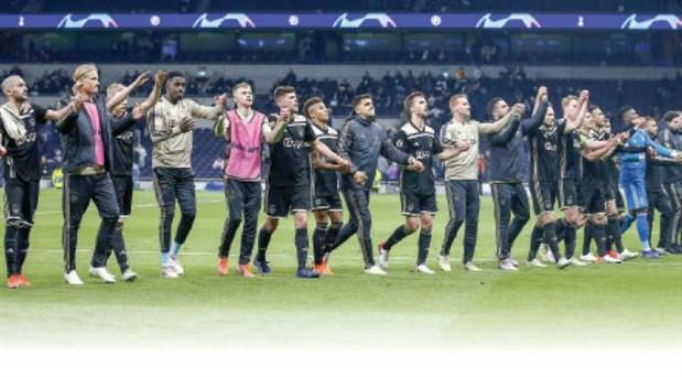 Ajax'ın devler ligi finaliyle arasında sadece bir maç var: Paranın değil, doğru yapılanmanın eseri