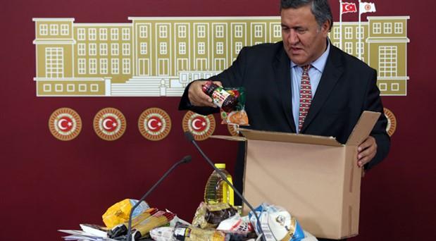 CHP'li Gürer Meclis'e ramazan kolisi ile geldi: Yüzde 100 artış var