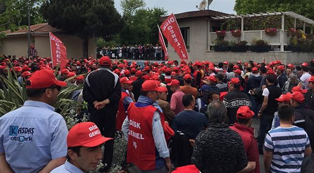 Kadıköy Belediyesi'nde grev kararı asıldı