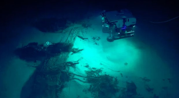 Mariana Çukuru'na dalan kaşif 11 kilometre derinlikte plastik atık buldu