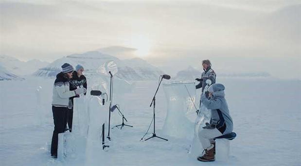 Buzdan enstrümanlarla konser