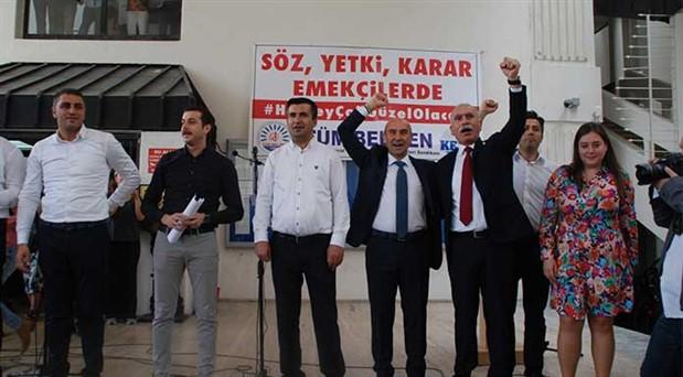 İzmir Büyükşehir Belediyesi'nde yetkili sendika Tüm Bel-Sen oldu