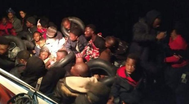 İzmir'de 41 göçmen alıkonuldu