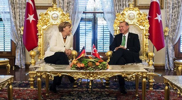 Merkel'den İstanbul seçimi yorumu
