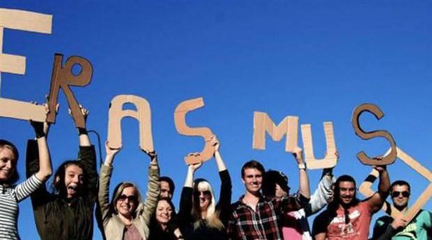 AB Komisyonu araştırması: Erasmus yapanların iş bulma şansı daha fazla