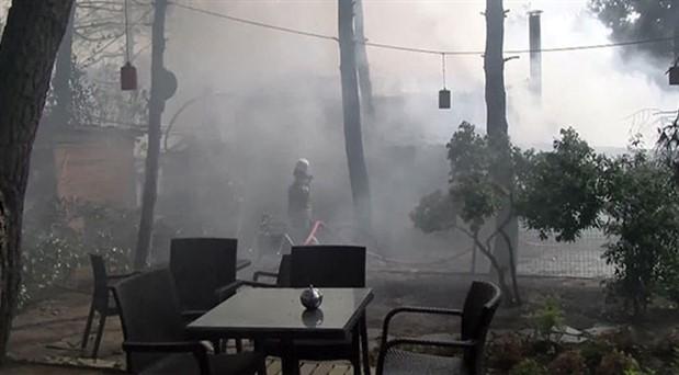 Ümraniye'de ormanlık alandaki kafede yangın
