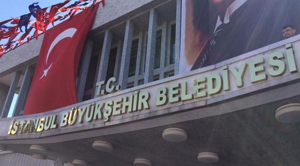 İBB'den Atatürk posteri ve Türk bayrağının kaldırılmasına ilişkin açıklama