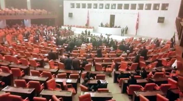 Meclis'te 'gerekçeli karar' tartışması