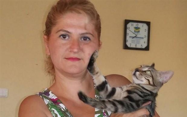 İstanbul'da kadın cinayeti: Televizyonu son ses açıp eşini öldüren katil kaçtı