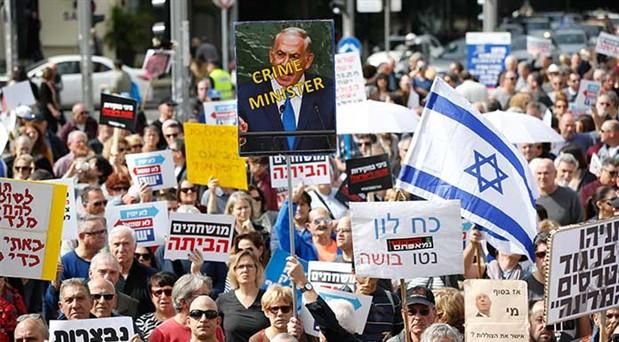 Netanyahu'ya dev protesto: Binler dokunulmazlık talebine karşı yürüdü