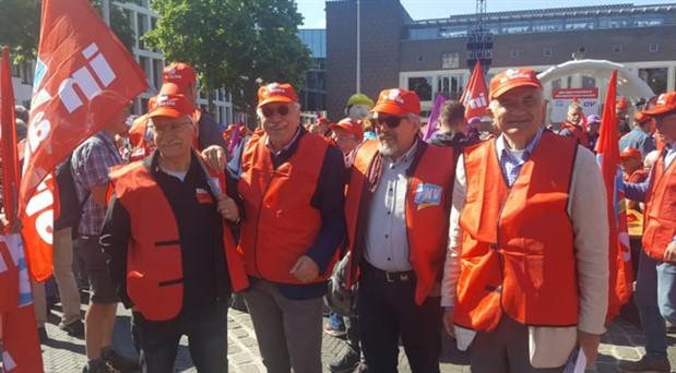 Üretimden gelen güçlerini kullandılar: Hollanda 24 saatlik grevde