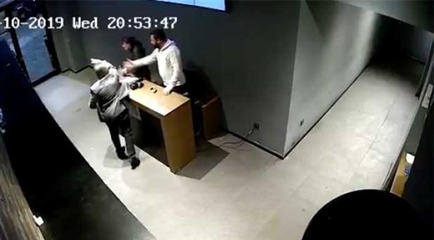 Meydan Beşiktaş'ta kadın çalışan, mal sahibi tarafından saldırıya uğradı!