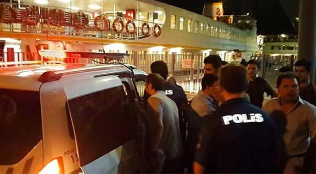 Kadıköy-Eminönü vapurunda silah sesleri: Bir kişi gözaltına alındı