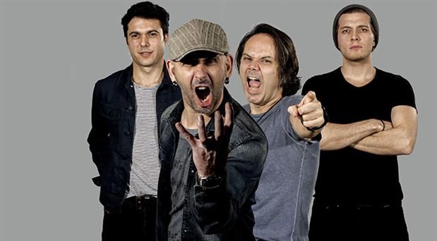Dört X Dört,  8 yıllık aradan  sonra geri döndü: Konserlerde yükselen bir grubuz