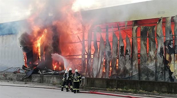 Gebze'deki depo yangını kontrol altına alındı