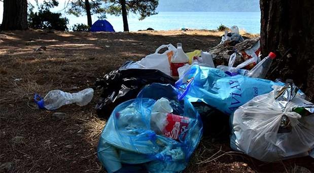 Tatilciler gitti, geriye çöpleri kaldı