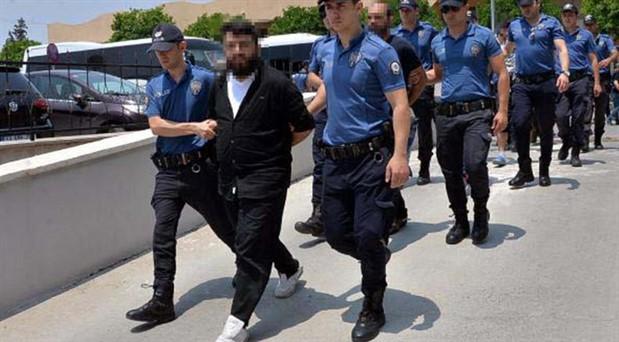 3 ilde IŞİD operasyonu: 18 zanlı adliyede