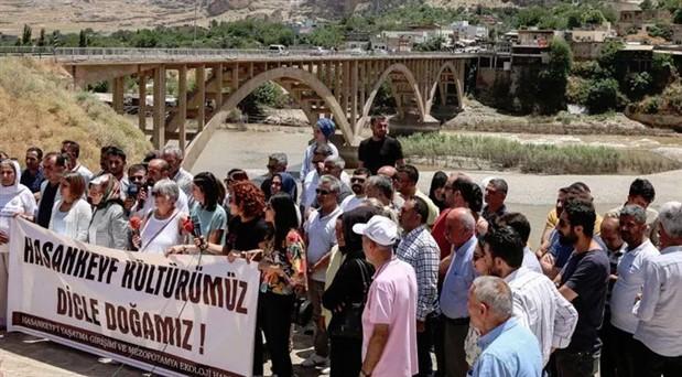 Hasankeyf'te basın açıklamasına polis müdahalesi: 1'i gazeteci 33 gözaltı