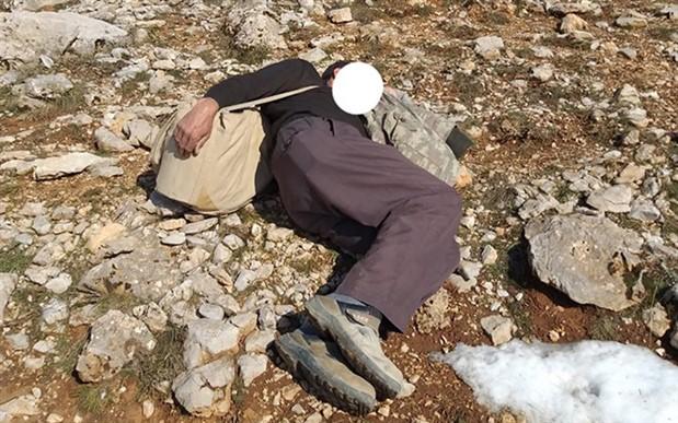 Kaçak keklik avcısı ekipleri görünce 'uyuyor' numarası yaptı