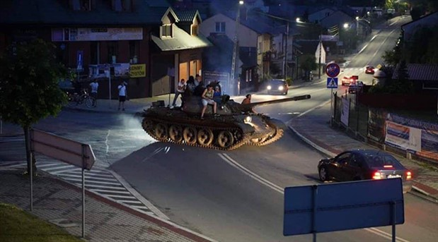 Alkollü tank sürücüsünü polis durdurdu
